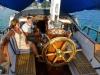 Ombord Carmencita, med Nancy och Björn. Björn byggde hela båten efter ett 55 fots träskrov från en fiskebåt från 1926