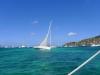 Racebåt går ut för segel i Bequia