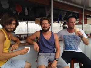 På plats i marinabaren i Mindelo, timmen innan avfärd